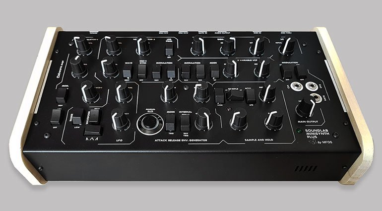 Sound Lab Minisynth Plus MIDI Special Edition от Elettrorama